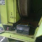 Sieczkarnia rolnicza CLAAS na gazo dieslu SCALMAX SM048 DDF przod akumulator