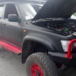 Toyota Hilux 4x4 AWD terenówka diesel na gazie zdjęcie z boku